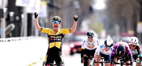 Marianne Vos doet een VDP'tje na sensationele finale in Amstel Gold Race