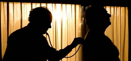 Van moord op schoonmoeder verdachte huisarts gearresteerd