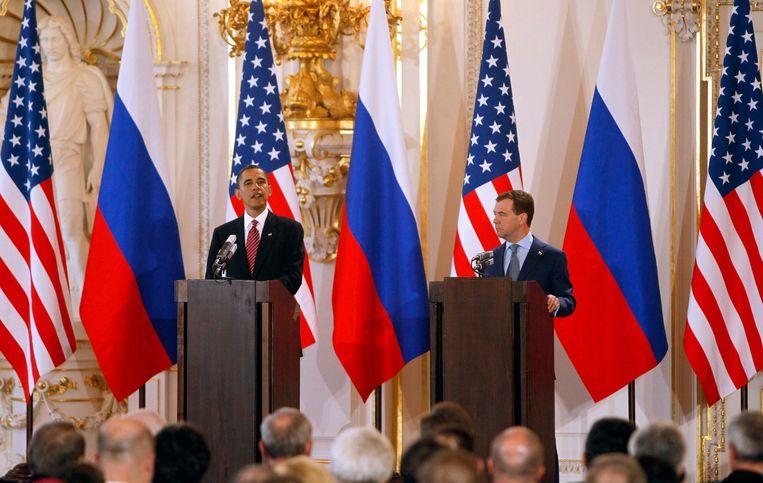 Barack Obama en Dmitry Medvedev bij een persconferentie in 2010, na het tekenen van kernwapenverdrag START II. Beeld REUTERS