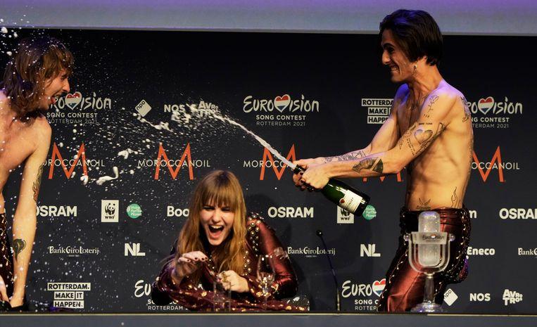 Uitzinnig van vreugde na de winst op het Eurovisie Songfestival Beeld Brunopress