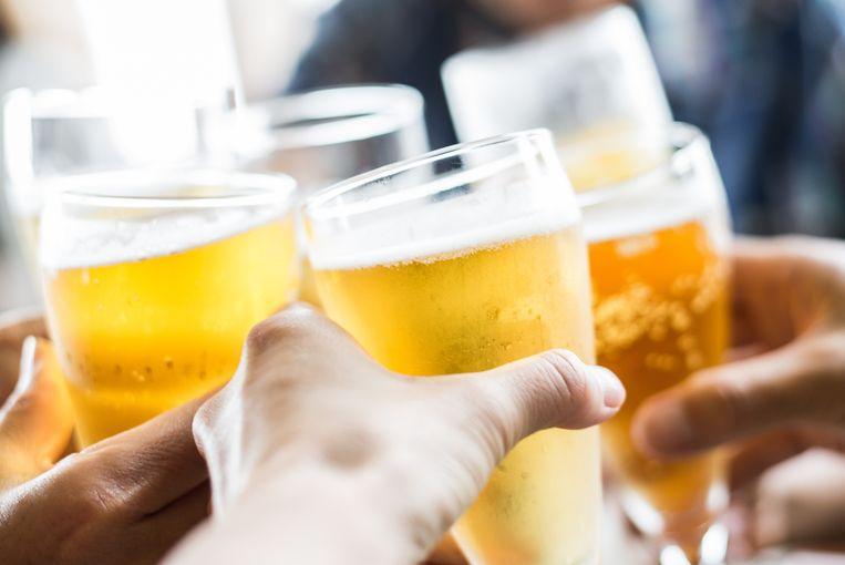 Geheelonthouders leven gemiddeld meer dan een jaar langer dan mensen die een glaasje per dag drinken, rekenden de onderzoekers uit. Beeld Thinkstock