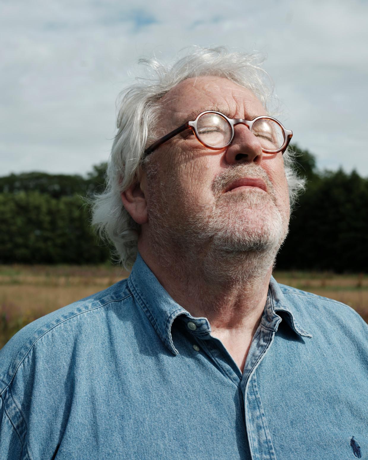 Ernst Daniël Smid: 'Ik kon hele coupletten op één adem zingen. Tegenwoordig kom ik niet verder dan een regel.' Beeld Erik Smits