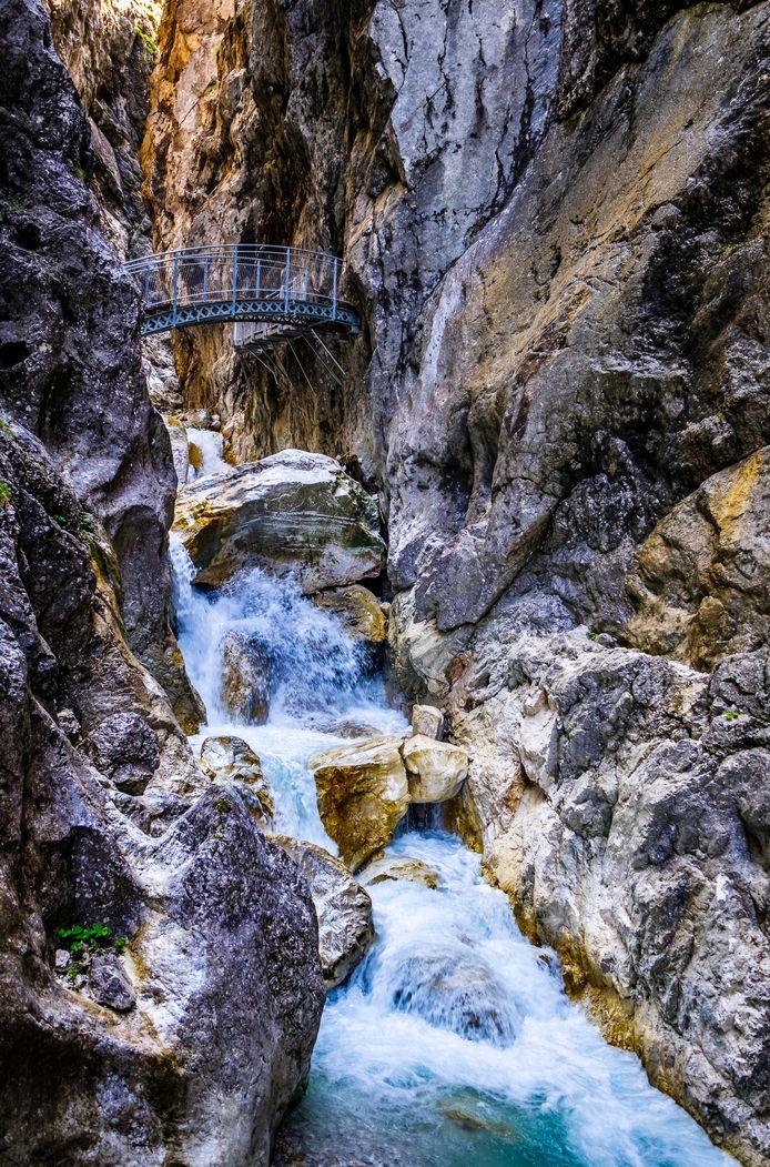 Ущелье ежегодно привлекает десятки тысяч туристов.