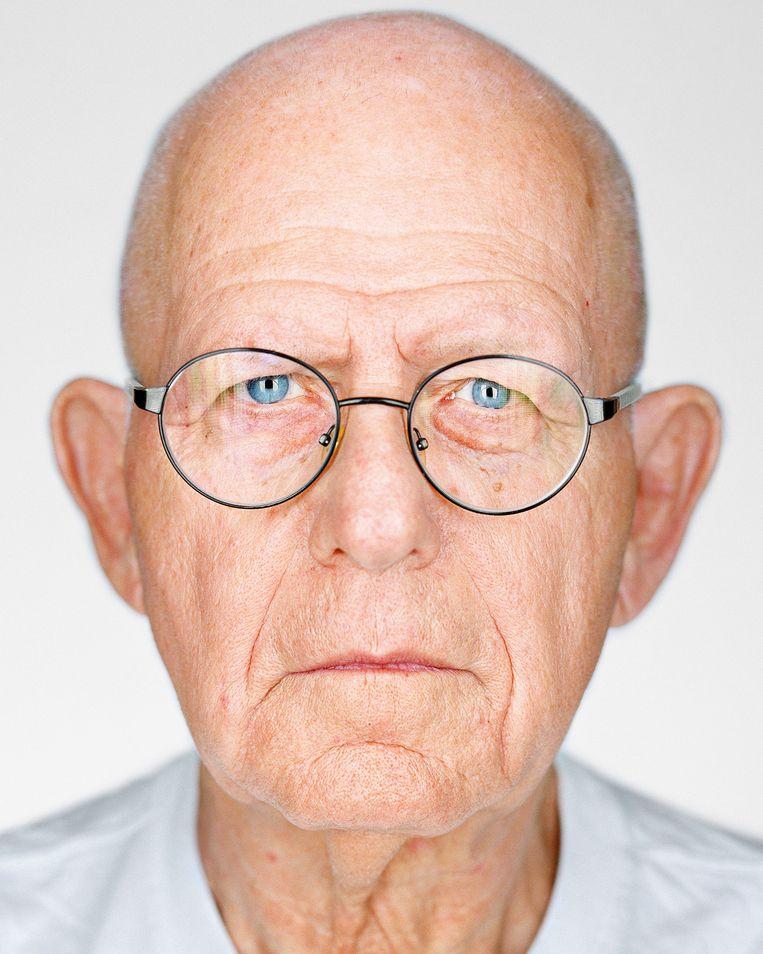 Maurice Gluck (geboren 1938, Antwerpen, België). Tijdens de Holocaust ondergedoken in Antwerpen. 'Vergeet het nooit, maar probeer te vergeven. Er zijn in deze wereld goede mensen en slechte mensen. Probeer de goede te vinden.' Beeld Martin Schoeller