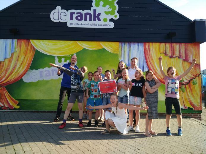 De kinderen van basisschool De Rank waren door het dolle heen met het winnen van de Fair Play-prijs.
