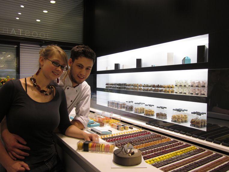 Joost Arijs en Elke De Baerdemaeker in hun zaak in de Vlaanderenstraat.