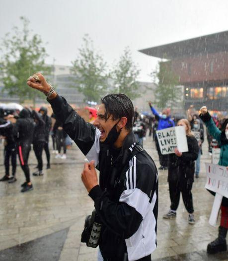 'Genoeg is genoeg!' Demonstranten roepen om gerechtigheid in Enschede