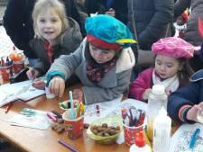 Duizenden kinderen verwelkomen Sinterklaas in Eindhoven, ondanks demonstratie