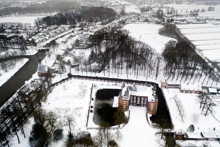 Slot Zuylen in Utrecht.  Beeld Freek van den Bergh / de Volkskrant