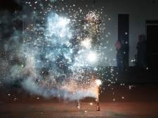 Kamermeerderheid voor zelf afsteken van vuurwerk verder onder druk