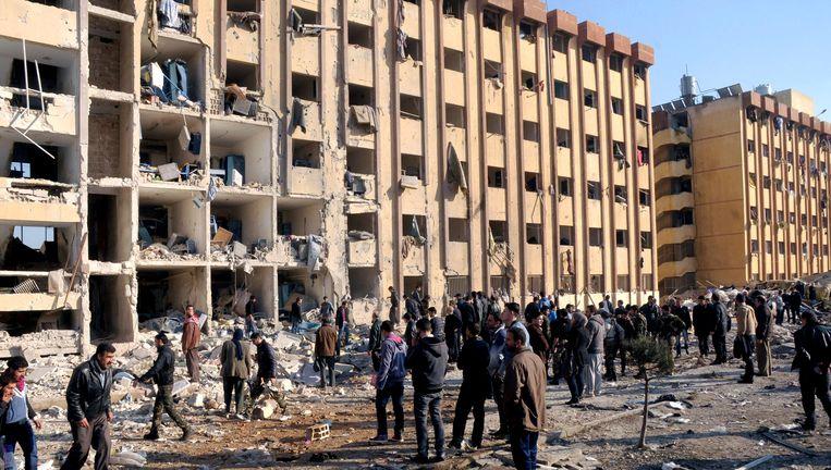 De ravage na de explosie in Aleppo Beeld AP
