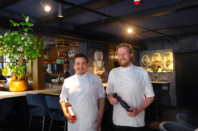In juni opende brasserie Franklin al, met chef-kok Nick van Eijk (rechts) en souschef Ralph Rhemrev aan het roer. Het hotel en de cocktailbar gaan op 10 augustus open.