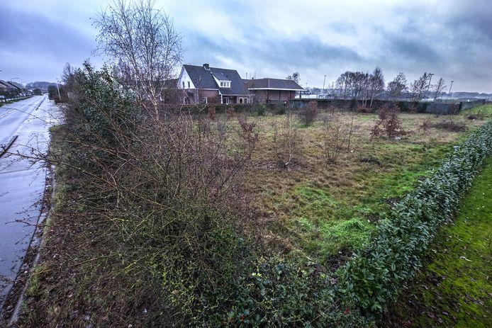 Weiland in de bocht van de Cranenburgsestraat( langs De Linde) tussen nummer 33B en 35 is door de Gemeente Groesbeek aangekocht.