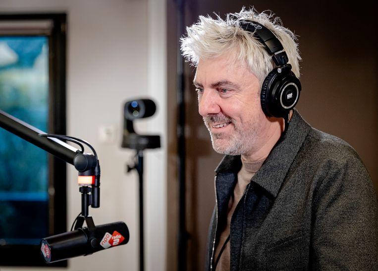 AMSTERDAM - Radio-dj Ruud de Wild in de studio in het VUmc. De Wild is na een periode van ziekte weer terug op de radio te horen tijdens het KRO-NCRV-middagprogramma De Wild in de Middag. De Wild maakte eerder bekend dat hij darmkanker had en tijdelijk zou stoppen met zijn radioprogramma. ANP ROBIN VAN LONKHUIJSEN Beeld Hollandse Hoogte /  ANP
