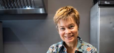 Josette is 'rouwcateraar': na de tranen geen kleffe cake maar groentesoep met gehaktballetjes
