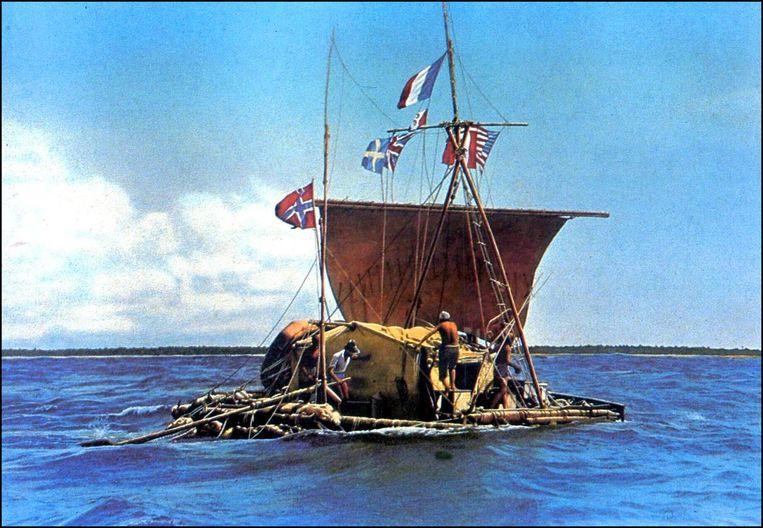Thor Heyerdahl  en zijn team op het vlot Kon-Tiki in 1947. Met het vaartuig, dat alleen door een zeil was voortgestuwd, geraakten ze 8.000 kilometer van de Peruaanse kust.  Beeld EPA