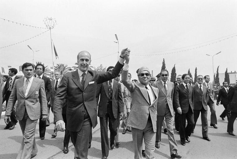Giscard d'Estaing in 1975 met de Marokkaanse koning Hassan II. Beeld AFP