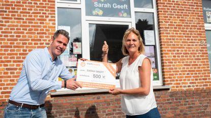 'Sarah Geeft' krijgt cheque van Start People