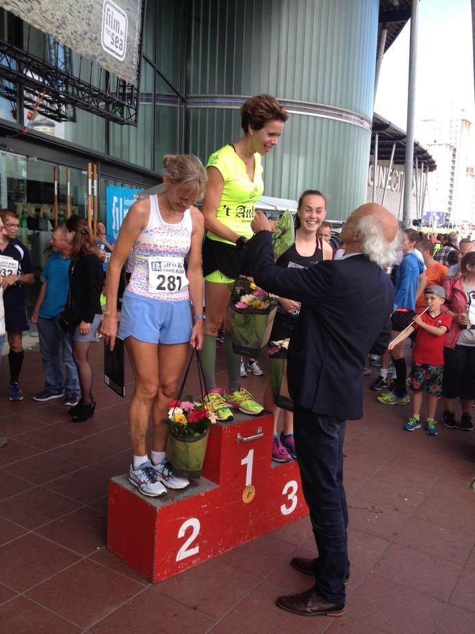 Het podium bij de dames op de 10 kilometer.