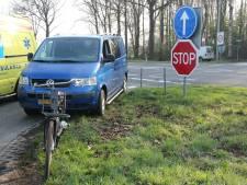 Fietsster gewond bij aanrijding op oversteek Ommerweg bij Raalte