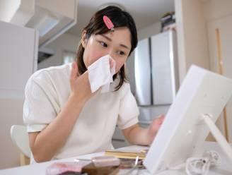 """Waarom je gezicht reinigen met reinigingsdoekjes geen goed idee is: """"Niet bepaald zachtaardig voor je huid"""""""