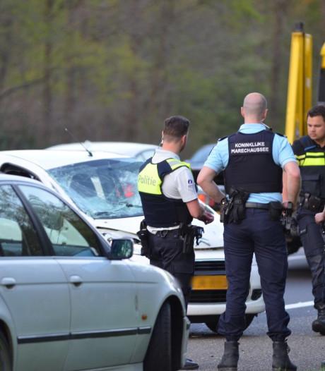 Vrouw uit Roosendaal en man uit België gewond bij kop-staart-botsing op A58 bij Rilland
