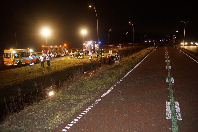 Auto belandt in sloot in Kaatsheuvel
