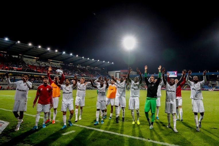Antwerp na de overwinning in de vorige ronde tegen Viktoria Plzen.  Beeld Photo News