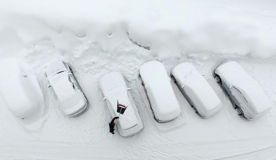 Foto van Oostenrijk bedekt door metershoog sneeuwtapijt