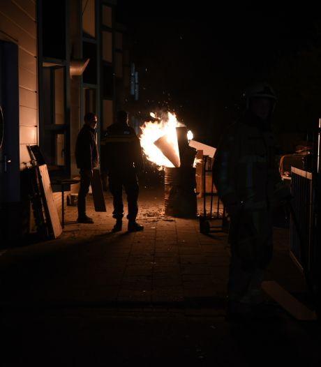Gezellig 'kampvuurtje' in Almelo leidt tot bezoekje van de brandweer en politieonderzoek