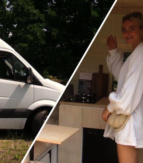 Lisa bouwde een bestelbus om tot droomcamper: 'Ik was op zoek naar vrijheid'