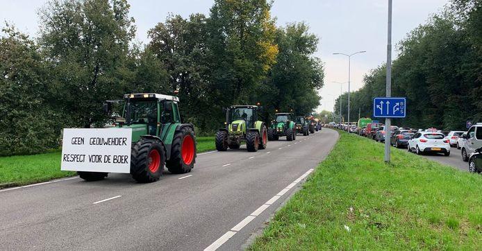 Grote verkeersdrukte in Utrecht-Oost.