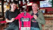 Dylan Teuns schenkt trui van zijn Tourzege aan café Boerenhof