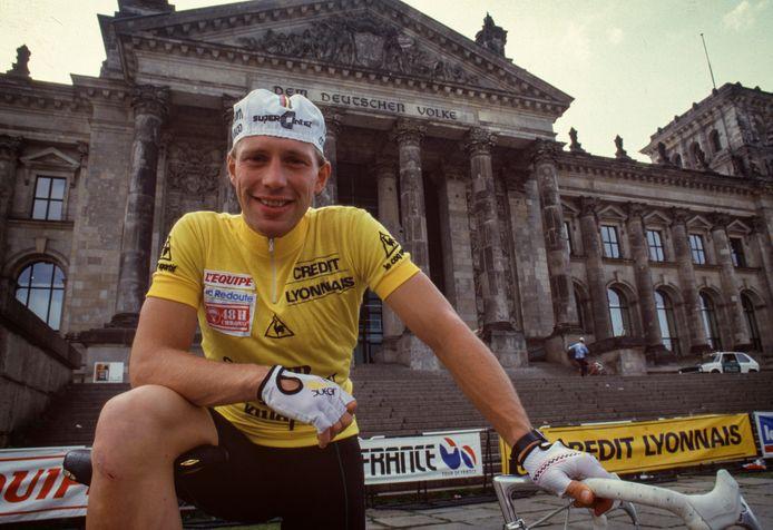 Jelle Nijdam in de gele trui in Berlijn in de Tour de France van 1987.