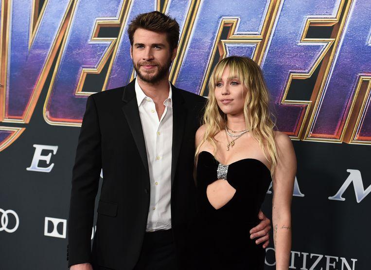Miley Cyrus (27) en Liam Hemsworth (30) zijn officieel weer vrijgezel.