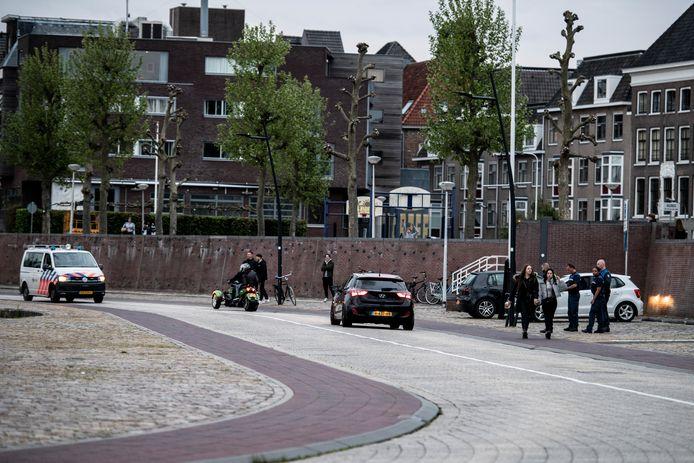 Politie treedt op tegen overlast op de Waalkade.