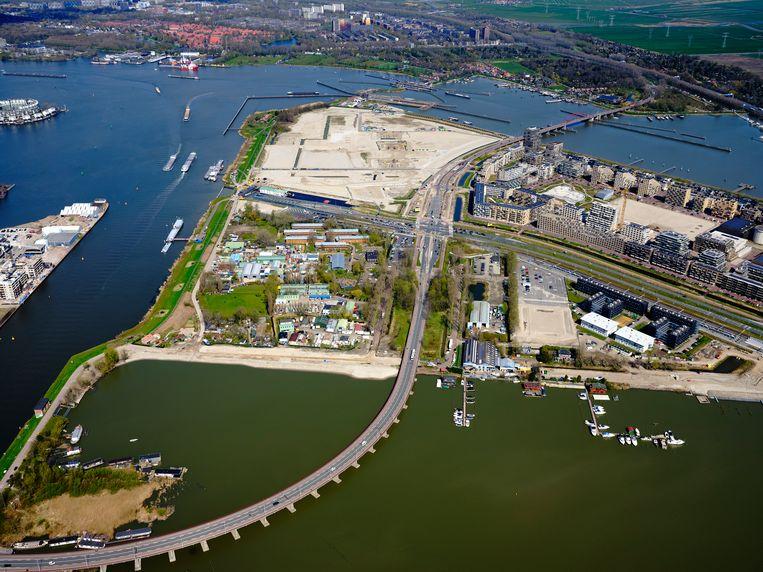 Zeeburgereiland. De Nautix Marina komt rechtsonder te liggen. Beeld Hollandse Hoogte / Siebe Swart luchtfotografie