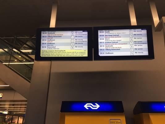Diverse treinen vanaf station Tilburg zijn uitgevallen of rijden een aangepaste dienstregeling.