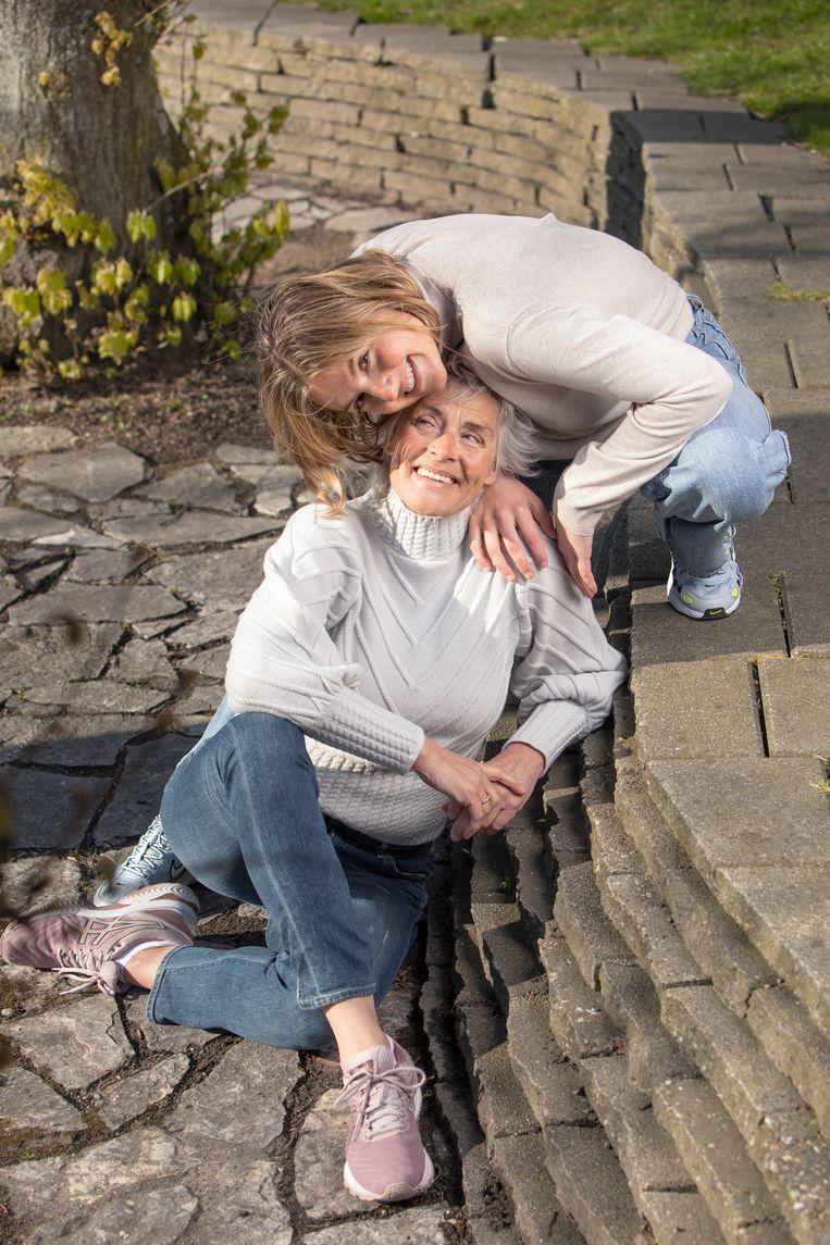 Anette Visser en Ibi Vialaron. Beeld Harmen de Jong