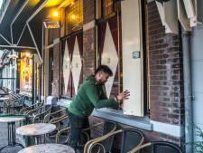 Restaurants en cafés doen zelf de deuren dicht omdat personeel in quarantaine zit