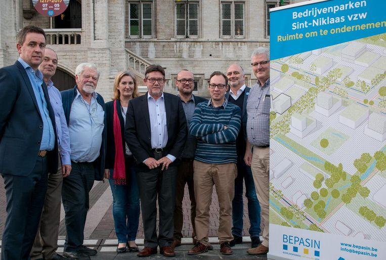 De bedrijfsleiders die hun schouders onder de vzw Bedrijvenparken Sint-Niklaas (Bepasin) zetten.