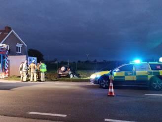 Beschonken bestuurder probeert politie te misleiden met toneeltje na crash in gracht