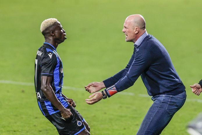 Dolle vreugde bij Krépin Diatta en Philippe Clement nadat de Senegalees er 1-2 van had gemaakt.