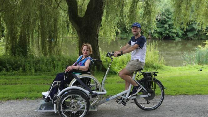 """Stad Gent stelt 'onvergetelijke fietstochten' samen voor personen met dementie: """"Een riksjafiets huren is gratis"""""""