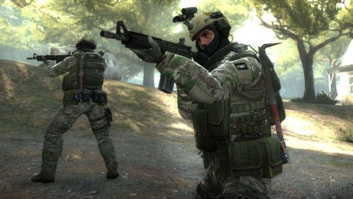 Een groot onderzoek naar matchfixing in het schietspel Counter-Strike: Global Offensive heeft geresulteerd in een schorsing van twee esporters voor vijf jaar.