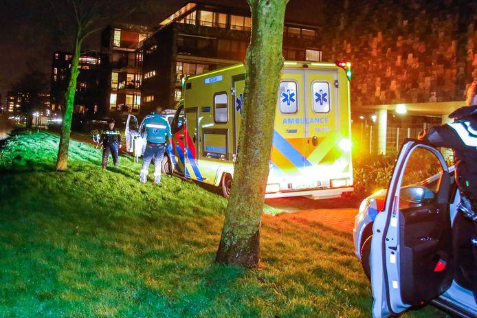 Aan de Uranusstraat in Zwijndrecht stak de 18-jarige M. P. een leeftijdsgenoot neer.