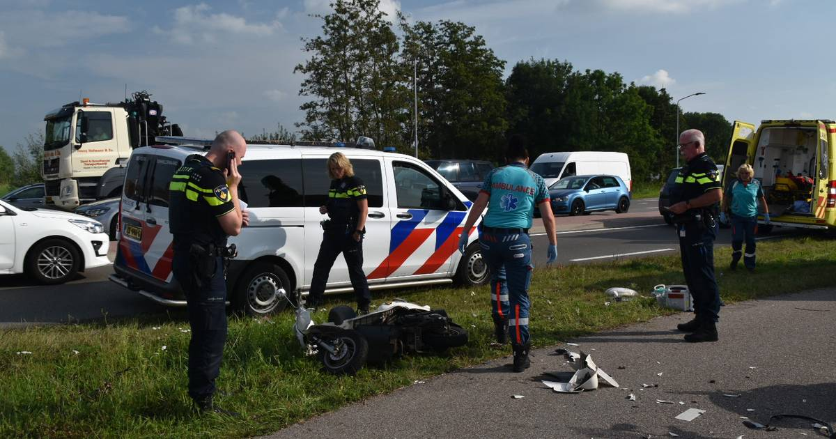 Drie gewonden bij scooterongeluk in Zaltbommel.