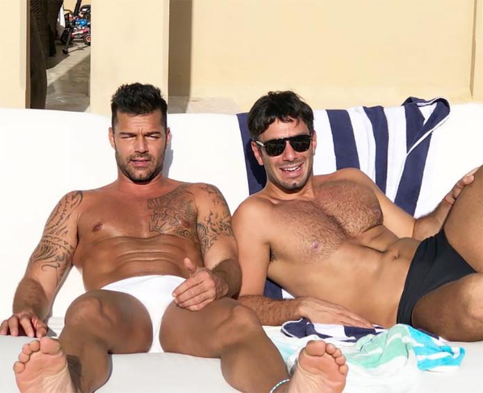 Ricky (links) en zijn echtgenoot.