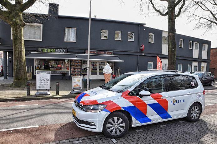 Een cafetaria in Tilburg werd vrijdagochtend rond 11.40 uur overvallen.