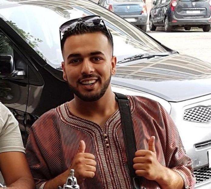 Autohandelaar Fikri.